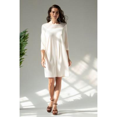 Женственное платье из эластичной ткани