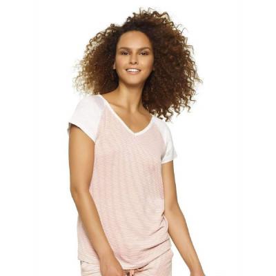 Стильная легкая футболка с V-образным вырезом